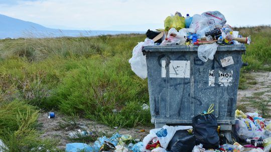 Je huis leeghalen met de juiste afvalcontainer